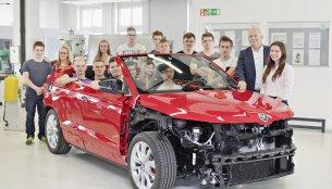Skoda Karoq convertible concept to debut in June