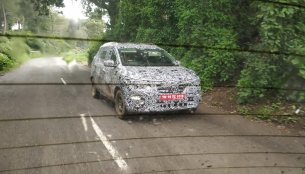 Renault's Maruti Ertiga competitor (Renault RBC) spied testing for the first time