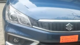 2018 Maruti Ciaz Delta petrol in NEXA blue spied at dealership [Video]