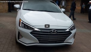 Walkaround from the 'surprise' world debut of the new Hyundai Elantra [Video]