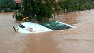 Kerala floods damage new car inventory worth INR 1,000 crore - Report