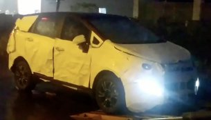 Mahindra Marazzo spotted unloading from a transporter [Video]