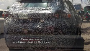 Tata Harrier continues testing with a heavy camouflage [Update]