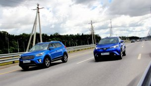 Russian media's road test comparison of the Toyota C-HR & Hyundai Creta [Video]