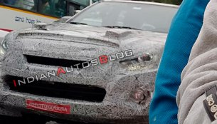 2019 Isuzu D-Max V-Cross (facelift) spied in India for the first time