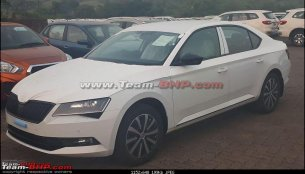Skoda Superb Sportline spied undisguised in India, to launch soon