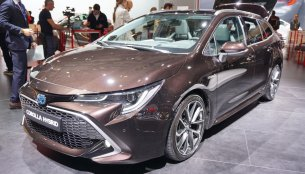 2019 Toyota Corolla Touring Sports - Motorshow Focus