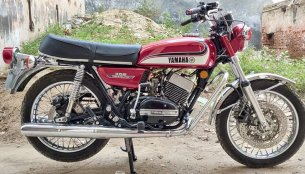 Modified Yamaha RD350 with dual disc brakes & the Suzuki Intruder's ABS