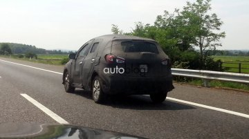 2014 Suzuki SX4 crossover spotted testing in Italy