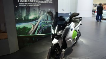 Frankfurt Live - BMW C-Revolution is an i3 on two wheels