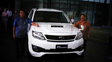 Indonesia - New Toyota Fortuner facelift launched