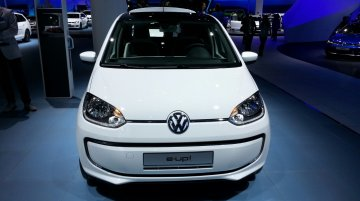 Frankfurt Live - 2014 VW e-Up! electrifies the stage