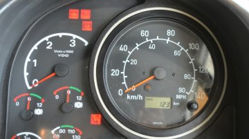 Report - Speed governors to be made mandatory for trucks and buses from October