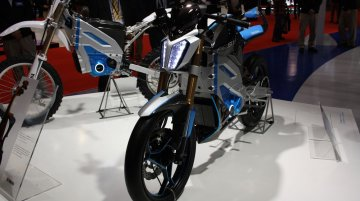 2013 Tokyo Motor Show Live – Yamaha PES1 and PED1