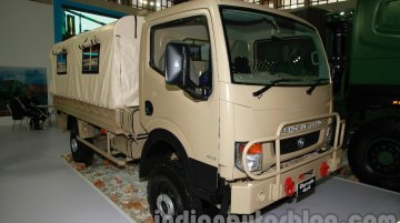 DefExpo India 2014 - Ashok Leyland unveils Garuda 4X4, new cab for Super Stallion 6X6