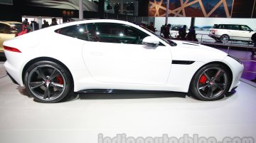 Report - Jaguar F-Type to get a manual transmission from 2015