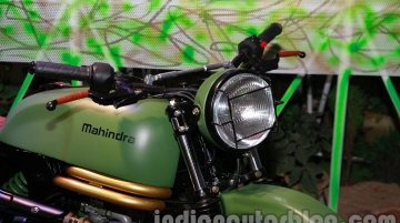 Auto Expo Live - Mahindra Cafe Racer & Scrambler based on Centuro shown