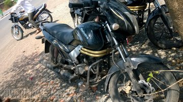 Spied - Mahindra Centuro disc brake variant caught on test for the first time