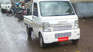 Spied - Pre-facelift JDM Suzuki Carry surfaces in Pune