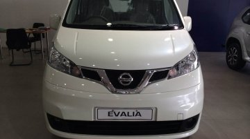 [New Images Added] IAB Report - Nissan Evalia facelift with new grille and center console launched, brochure inside