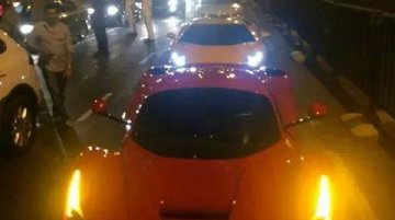 IAB Report - Ferrari LaFerrari spotted on Mumbai roads