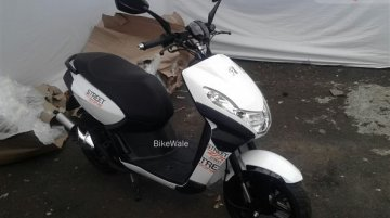 Mahindra Peugeot scooters in India - Spyshot Gallery