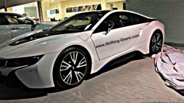 BMW i8 spotted at a dealership ahead of its expected launch in Feb - Report