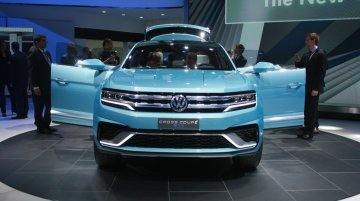 2015 NAIAS Live - VW Cross Coupe GTE SUV Concept