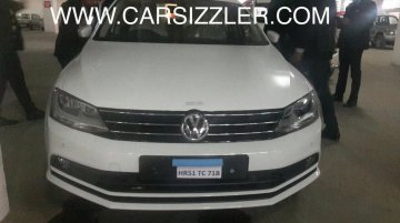 2015 VW Jetta (facelift) spotted at a dealership ahead of Feb 17 launch - Spied