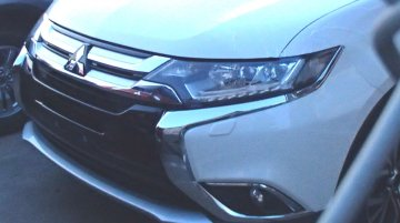2016 Mitsubishi Outlander (India-bound) snapped undisguised [Update]