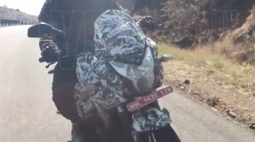 Bajaj Pulsar 200 AS spied testing in India [Video]