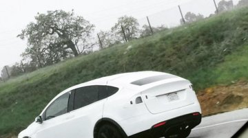 Tesla Model X to launch in summer; spied testing - USA