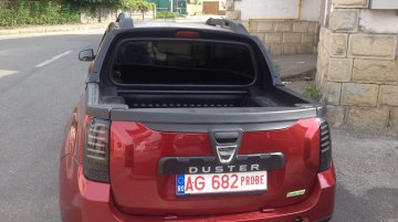 Dacia Duster dual cab pick-up spotted in the wild - Spied