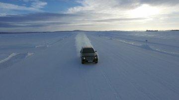 Bentley Bentayga detailed, undergoes winter testing - Report
