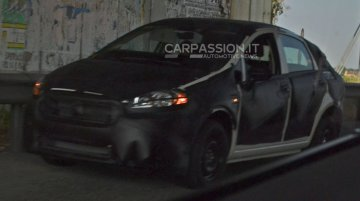 2016 Fiat Bravo mule spotted in Italy - Spied