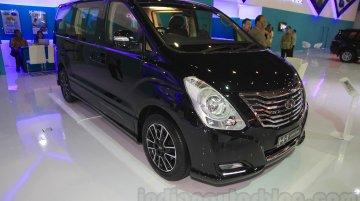 Hyundai Santa Fe D-Spec, Hyundai H-1 Black Edition - IIMS 2015 Live
