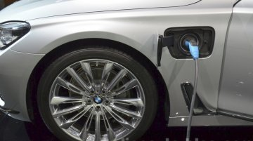 BMW 740Le - 2015 Frankfurt Motor Show Live