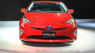 2016 Toyota Prius and Toyota C-HR Concept – 2015 Tokyo Live