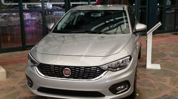 Fiat Egea (Fiat Aegea) spotted in different colors - Spied