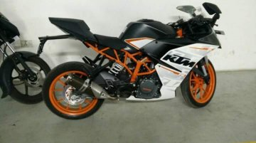 2016 KTM RC390 snapped in India for the first time - Spied