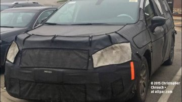 2017 Chrysler Town & Country spied ahead of Detroit debut - Spied