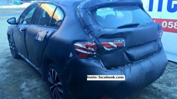Rear of the Fiat Tipo hatchback spotted up close - Spied