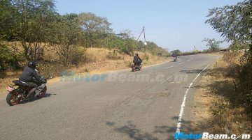 2016 KTM RC390 with conventional exhaust snapped testing in India - Spied