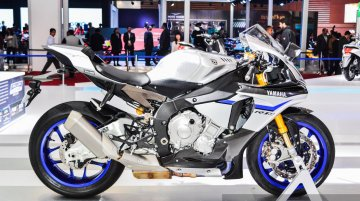 2016 Yamaha R1M, 2015 Yamaha R3 - Auto Expo 2016
