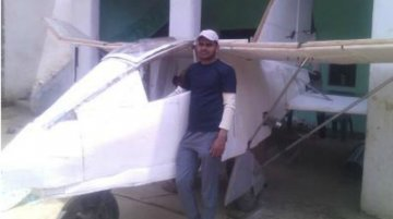 Unemployed Indian's home-made aircraft runs on a Maruti Omni engine - Video