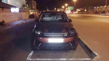 2017 Land Rover Discovery spied inside and out ahead of premiere