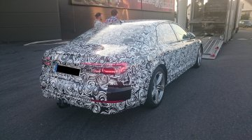 2018 Audi A8 reveals its LED taillight glow pattern
