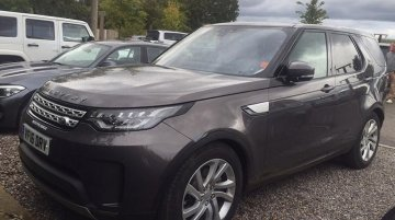 Camou-free 2017 Land Rover Discovery spotted out in the UK