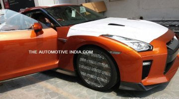 2017 Nissan GT-R arrives at Indian dealership, to launch in November
