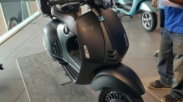 Vespa 946 Emporio Armani launched in India at INR 12.04 Lakhs